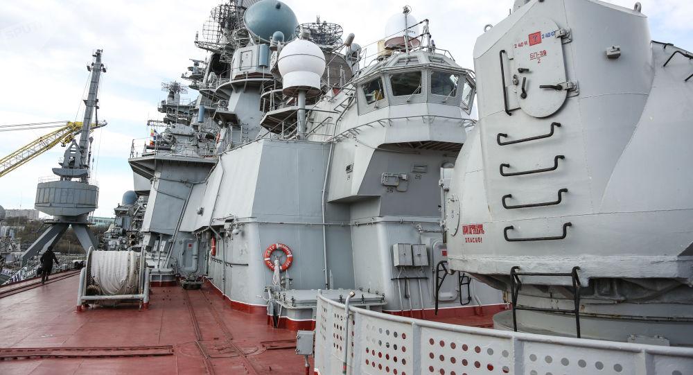 美專家描繪美國「朱姆沃爾特」級驅逐艦與俄 「彼得大帝」號核動力巡洋艦開戰狀況