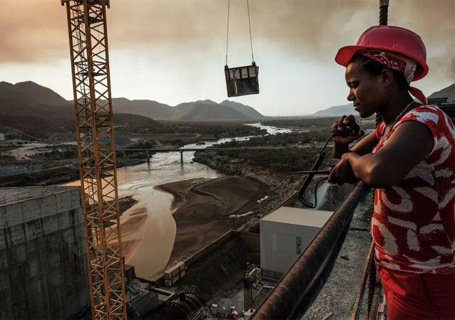 復興大壩建設