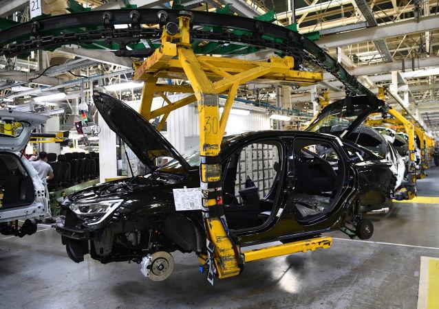 俄工貿部長:俄羅斯今年新車銷量將減少25-30%