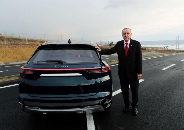 土耳其總統埃爾多安展示TOGG電動汽車