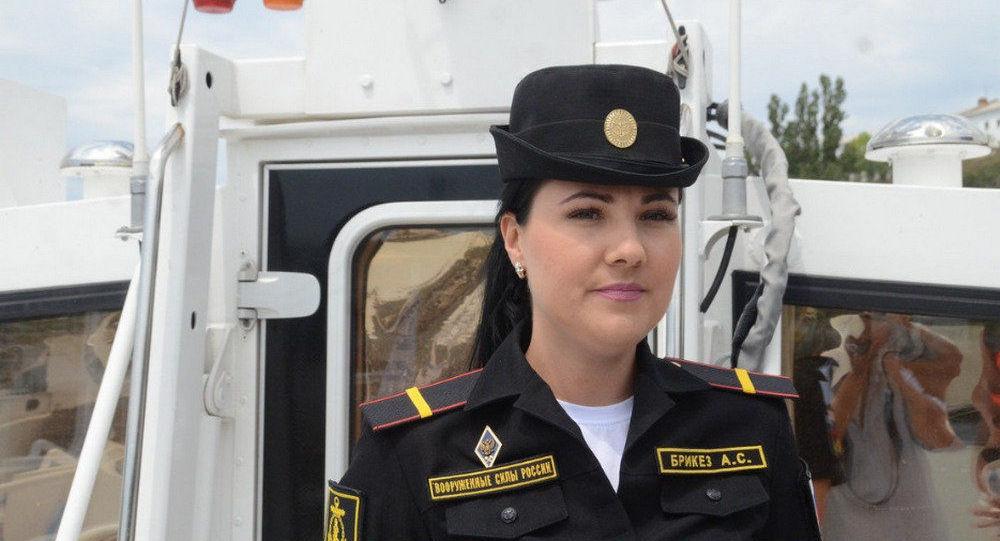 船長安娜·布里克茲