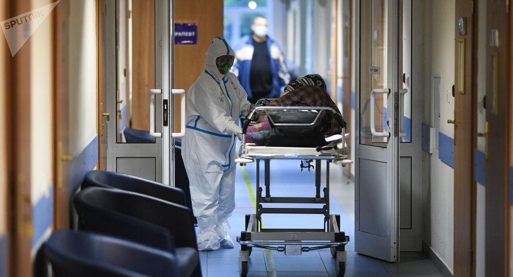 俄防疫指揮部:俄單日新增COVID-19感染病例5212例 累計達882347例