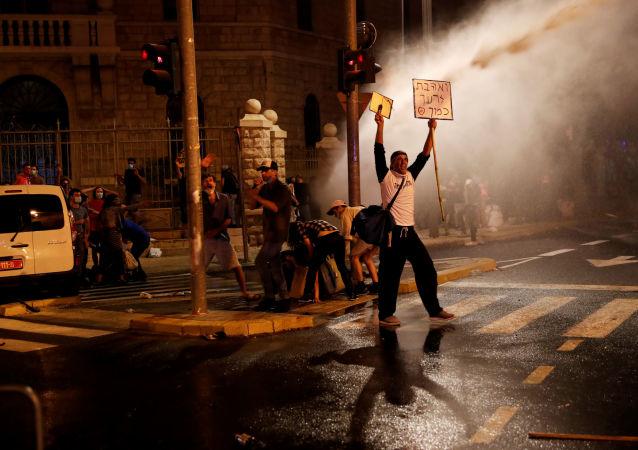 媒體:以色列各地數萬人參加反政府示威