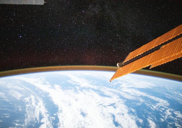 俄科研人員探索國際空間站利用地球反射陽光發電的方法