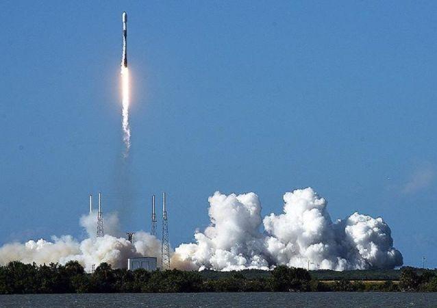 美國太空探索技術公司又發射一組「星鏈」互聯網通信衛星