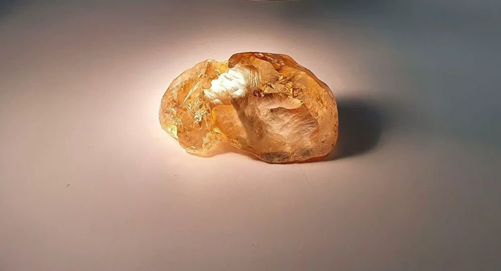 阿爾羅薩公司開採出俄史上最大的彩鑽