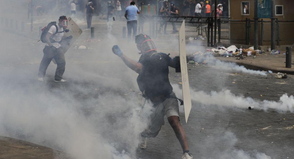 媒體:貝魯特抗議者與執法人員衝突的受傷者超700人