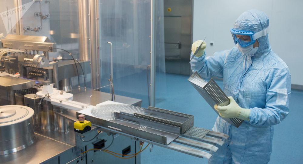 俄衛生部宣佈開始生產由加馬列亞研究中心研發的新冠疫苗