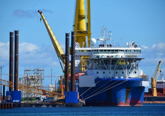 俄羅斯「切爾斯基院士」號鋪管船