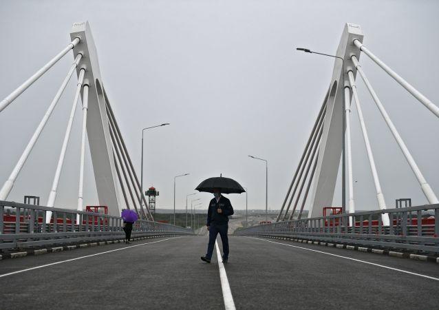 俄中布拉戈維申斯克—黑河界河公路大橋