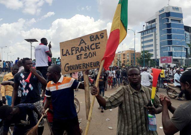 媒體:馬里反對派承諾與政變領導人共同規劃過渡進程