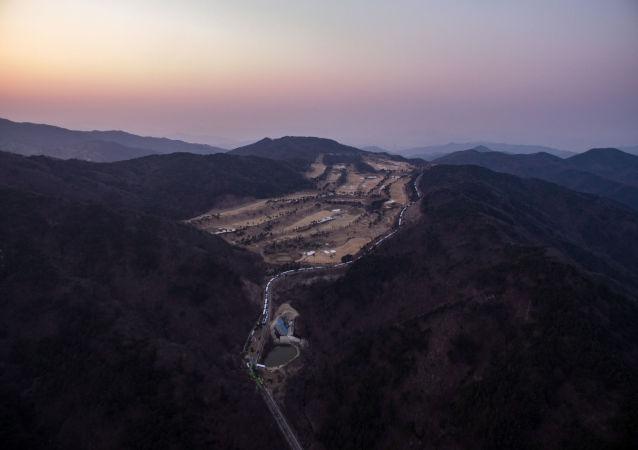 韓國國防部向星州郡「薩德」基地運輸施工設備等物資
