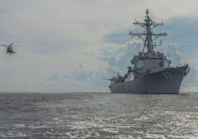 美國海軍馬斯廷號驅逐艦在南海