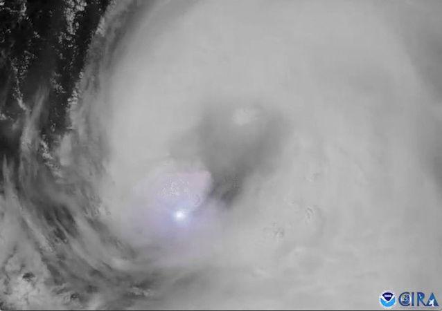 颶風「勞拉」襲擊路易斯安那州