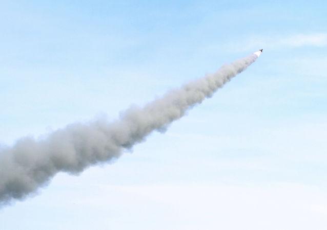 美媒:美國正在研發能夠摧毀水面和地面移動目標的中程導彈