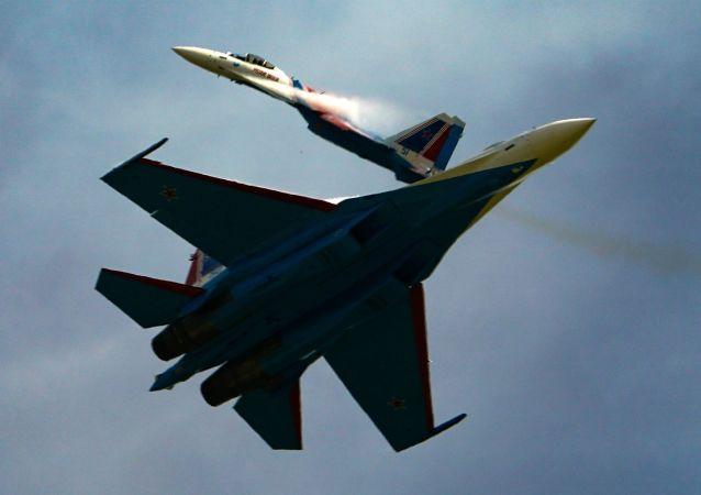 俄東部軍區蘇-35S戰機在哈巴羅夫斯克邊疆區的演習中成功攔截高速目標
