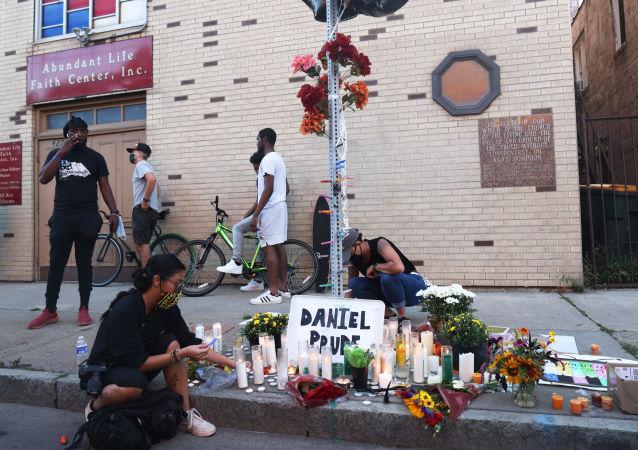非裔美國人丹尼爾∙普魯德死亡案7名涉案警員停職