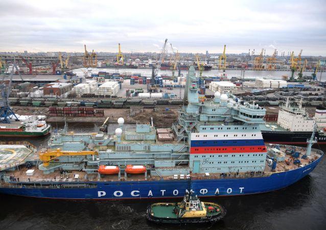 22220型「北極」號核動力破冰船