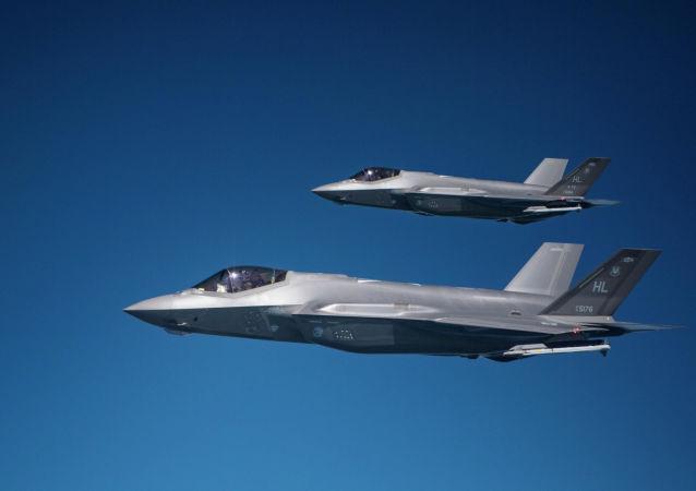 美軍首次公開F-35A戰鬥機投放訓練用核彈的畫面