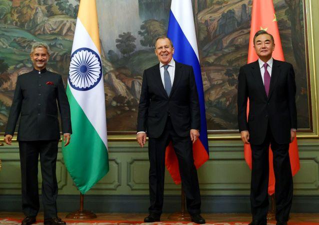 俄、印、中三國外長強調為保障全球經濟增長共同發展重要性