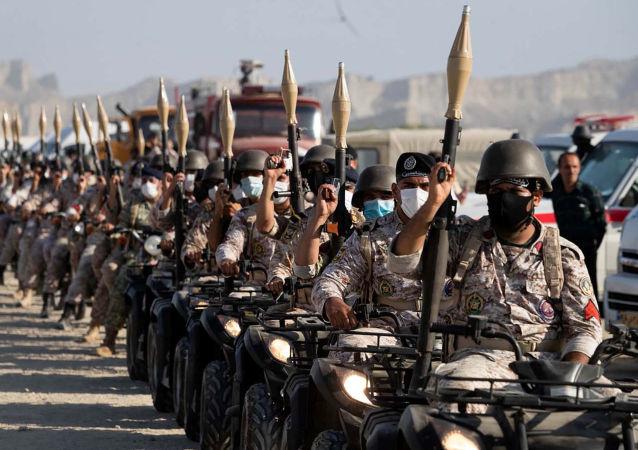 伊朗在阿曼灣進行了軍演