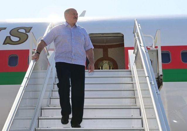 德國機場工作人員拒絕服務盧卡申科並要求其下台