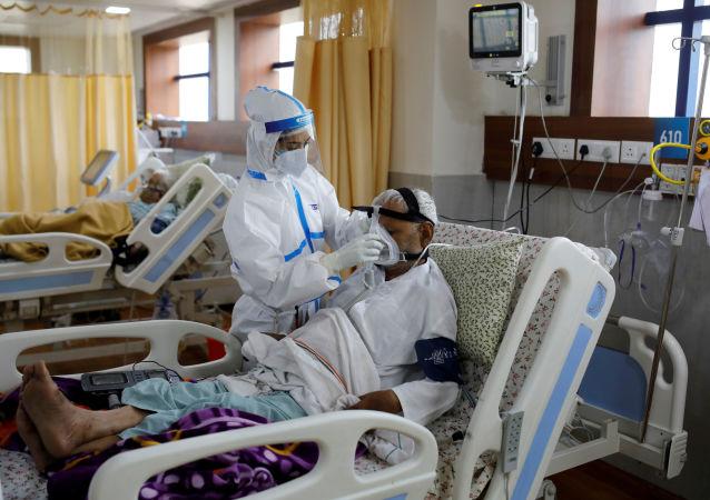 印度單日新增新冠確診病例再創新高