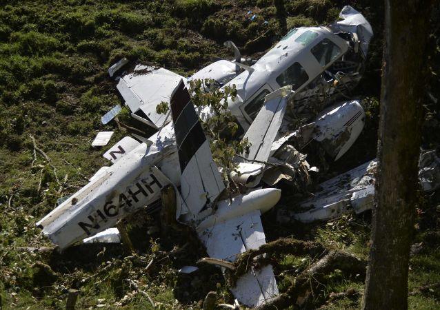 美國得州一架輕型飛機墜毀造成4人遇難