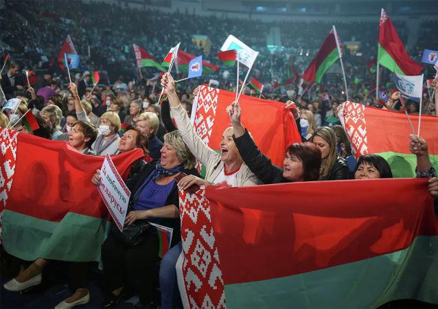 中方一貫尊重白俄羅斯人民自己做出的選擇