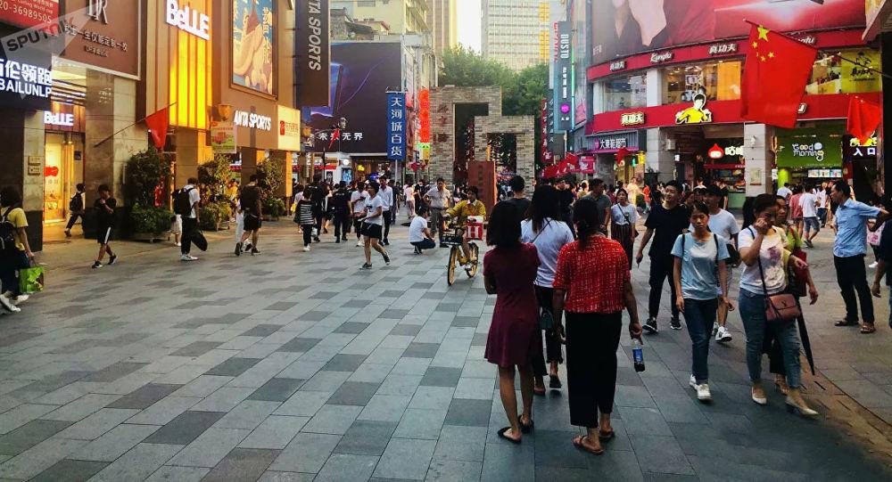 中國自9月28日起允許持有效工作類、私人事務類和團聚類居留許可的外國人入境