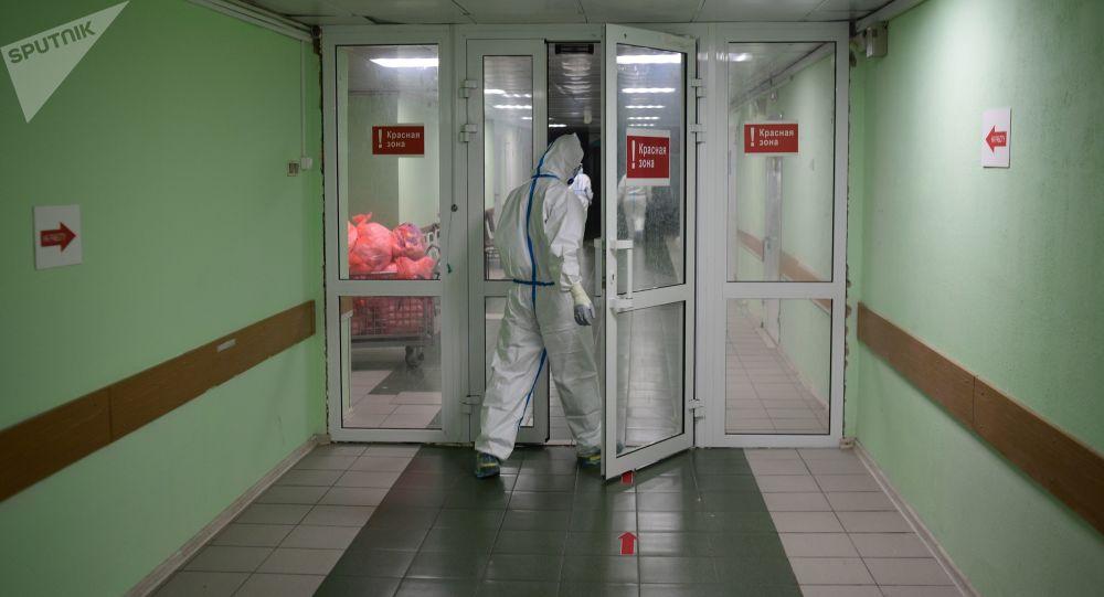 俄防疫指揮部:俄單日新增新冠病毒感染病例9859例 累計超120.4萬例
