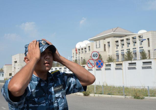 中國駐吉爾吉斯斯坦大使館提醒本國公民加強安全防範