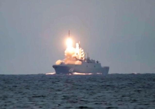 「戈爾什科夫海軍元帥」號試射「鋯石」導彈