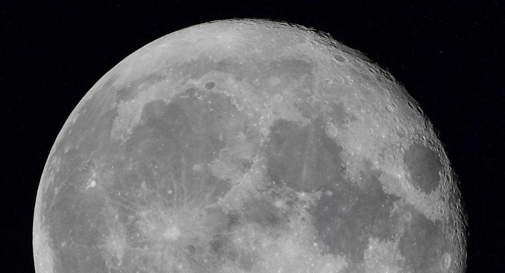 俄學家:俄羅斯希望獲得中國取回的月壤樣本
