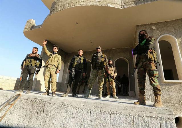 受土耳其支持的非法武裝團伙在伊德利卜省