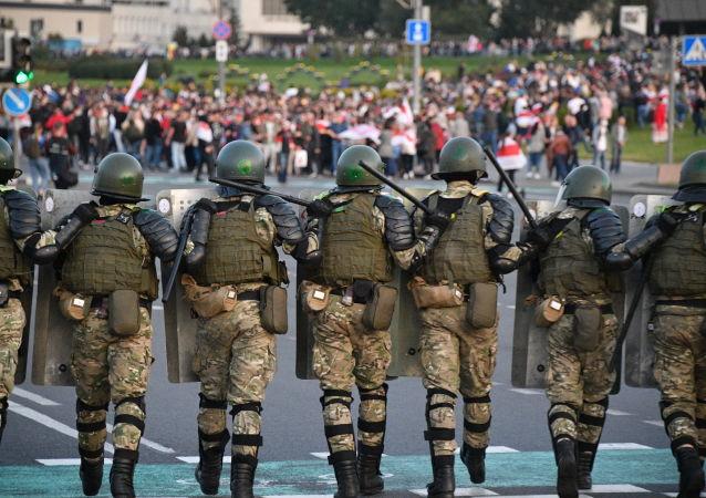 白俄內務部稱在12日的抗議活動中拘留186人