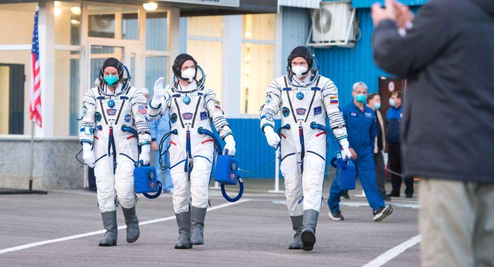 國際空間站宇航員乘坐的「聯盟MS-17」飛船順利在哈薩克斯坦著陸