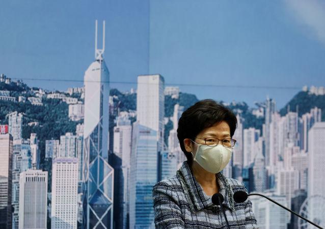 推遲發表《施政報告》以尋求恢復香港經濟的最佳途徑