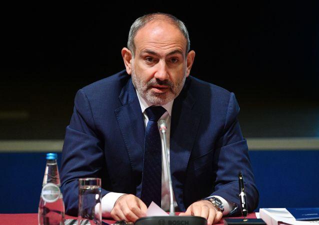 亞美尼亞總理尼科爾•帕希尼揚