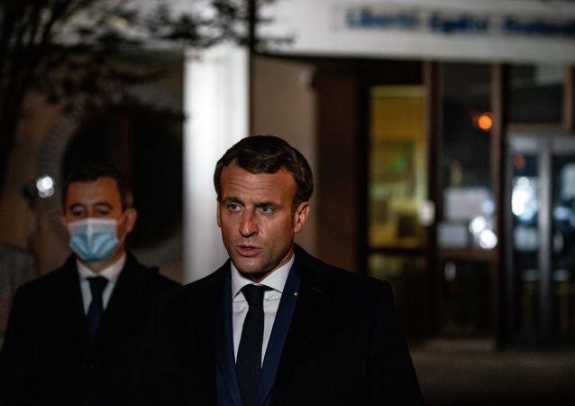 法國總統:巴黎附近歷史教師遇害事件是恐襲