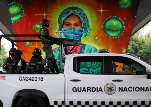 墨西哥新冠病毒感染死亡病例累計超過10萬例