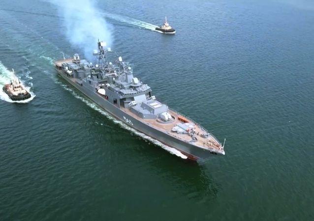 俄太平洋艦隊艦艇在日本海用魚雷和炸彈攻擊假想敵潛艇