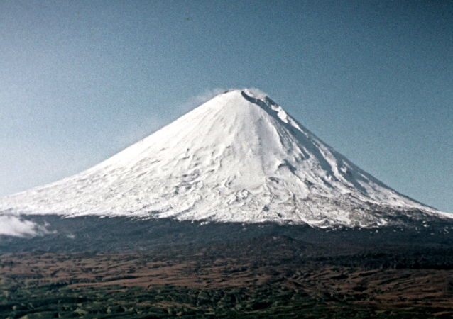 堪察加的別濟米揚內火山