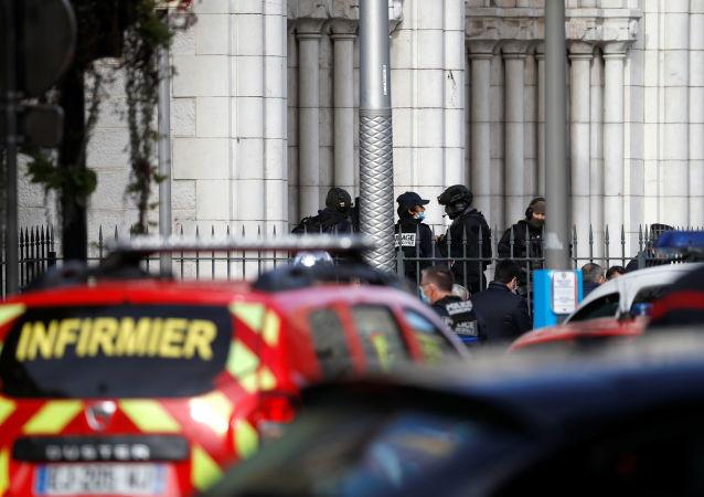 尼斯市長:聖母院附近襲擊可能是恐怖襲擊