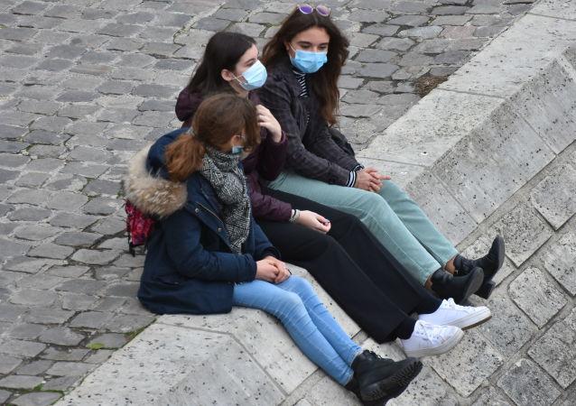 世衛組織:過去一周全球新增新冠病毒感染病例創紀錄達360萬例
