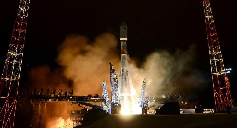 俄「聯盟」號火箭攜載「獵鷹眼」衛星順利點火升空