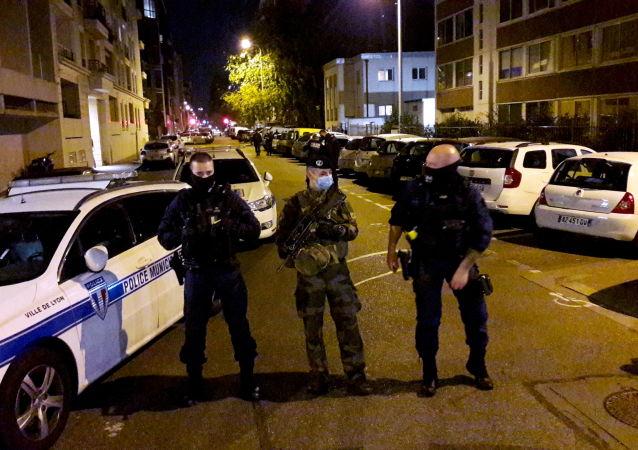 媒體:里昂襲擊神父案凶嫌被逮捕