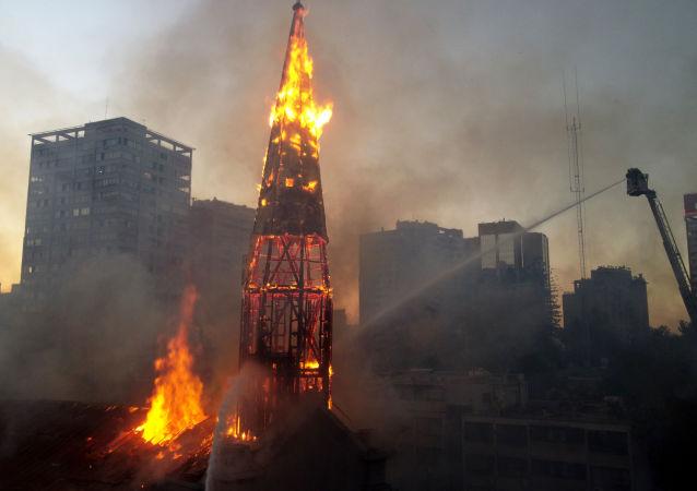 教堂起火 資料圖