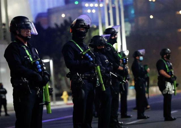 美國各州政府加強在各州議會大廈附近的安全措施