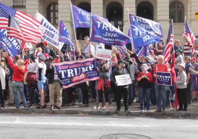 特朗普支持者不滿亞特蘭大選舉結果 要求「停止偷竊」